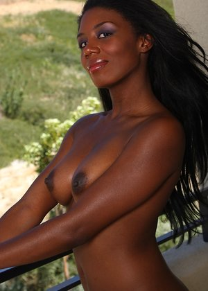 Nude Black Girls Pictures